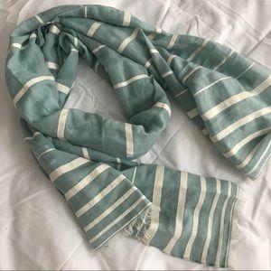 GAP blanket scarf